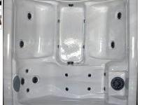 Laguna Bay Hot Tub